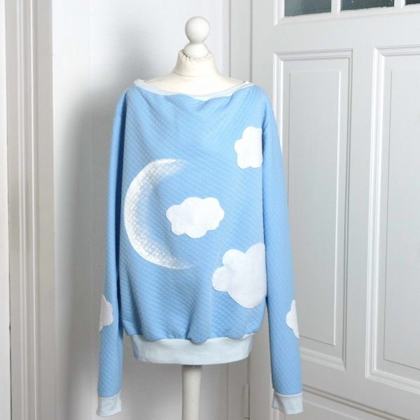 Cloudy Moon - Pullover